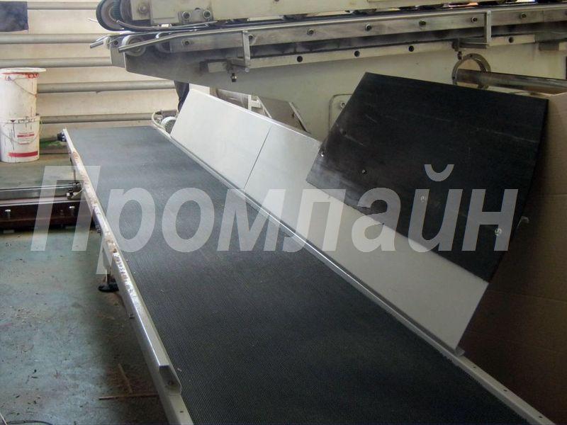Ленточный конвейер для отвода бумажных отходов